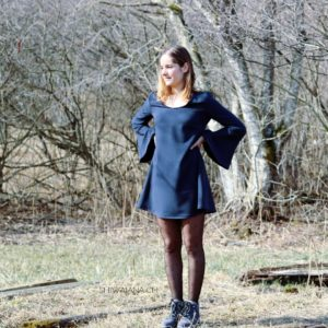 dress with the oversized sleeves2
